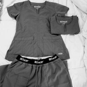 Grey's Anatomy Scrub Set 2 tops 1 pant